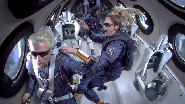 Pendiri Virgin Galactic, Richard Branson berencana membuka wisata luar angkasa secara komersial pada 2022 mendatang. Bagaimana caranya?