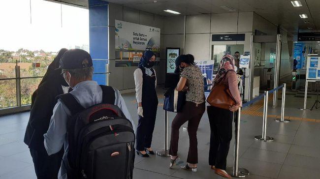 MRT menutup tiga stasiun, yakni Stasiun MRT Haji Nawi, Stasiun MRT ASEAN dan Stasiun MRT Setiabudi Astra.