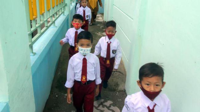 Pemerintah akan menggelar tes Covid-19 kepada 1,7 juta rombel di 52 ribu sekolah serta menerapkan apikasi Pedulilindungi di masa PTM.
