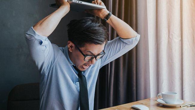 Tuntutan pekerjaan yang lebih berat dan banyak saat work from home (wfh), ternyata juga bisa menyebabkan burnout.
