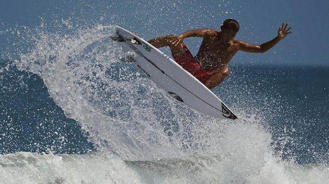 Potensi typhoon yang melanda Jepang pada Minggu (25/7) dianggap bisa menguntungkan surfer Indonesia di Olimpiade Tokyo 2020.