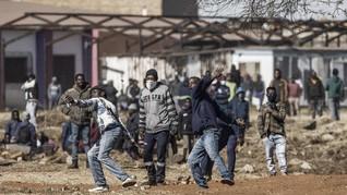 FOTO: 72 Orang Tewas dalam Kerusuhan Berdarah di Afsel