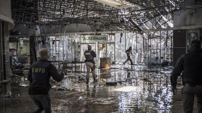 Pemerintah Afrika Selatan menyebut kerusuhan di negara mereka beberapa waktu lalu telah memukul 40 ribu pebisnis dan memicu kerugian ekonomi US$3,4 miliar.