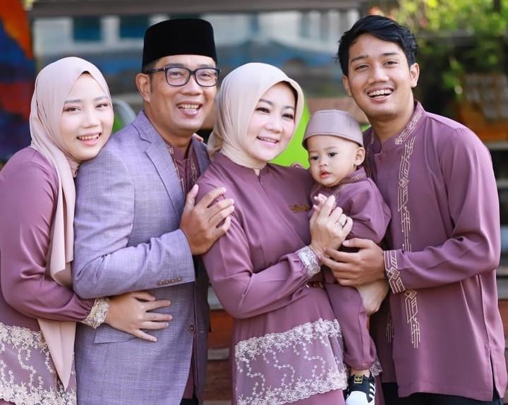 Atalia Praratya dengan anak angkat