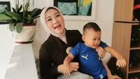 <p>Ia pernah diasuh oleh Ridwan Kamil saat berada di kantor atau ikut bersama Atalia saat menghadiri beberapa acara. (Foto: Instagram @ataliapr)</p>