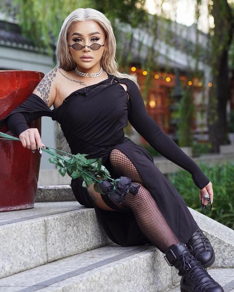 Video seorang transgender bernama Tatum Zulaika menyebut Adam Rosyadi kekasih Agnez Mo viral. Yuk intip sosoknya!