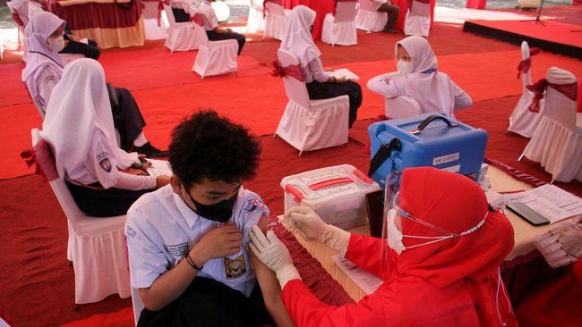 Ribuan pelajar di Madura, Jawa Timur diduga menolak vaksinasi karena khawatir usai mendapat informasi keliru dari media sosial.
