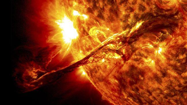 China membuat fasilitas surya panel di luar angkasa, gunanya untuk memanen energi matahari untuk dialirkan menjadi listrik ke bumi.
