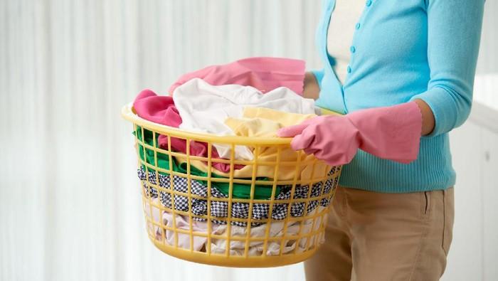 Isolasi Mandiri di Rumah, Ini Cara Cuci Pakaian Keluarga yang Positif Covid-19