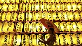 FOTO: Menghormati Arwah Leluhur di Mitama Matsuri