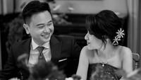 <p>Kabar bahagia datang dari Risa Santoso nih, Bunda. Rektor termuda ini baru saja menggelar acara pertunangan dengan kekasihnya, Michael Sugijanto. (Foto: Instagram @santosorisa)</p>