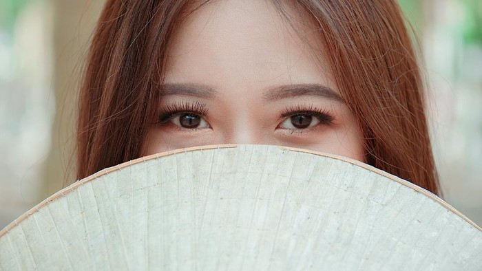 Anti Rontok, Cara Bersihkan Riasan Bulu Mata Palsu dan Eyelash Extension
