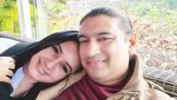 <p>Pedangdut Malaysia Ashraff Khan menikah dengan kakak kandung dari Fairuz A Rafiq, yaitu Fadia Arafiq. Sosok wanita cantik ini kerap mencuri perhatian. (Foto: Instagram: @ashraff_abu)</p>
