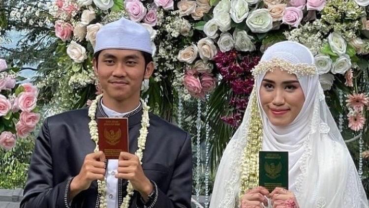 Pernikahan Ustaz Agam Facrul dan Aisyah viral di TikTok.
