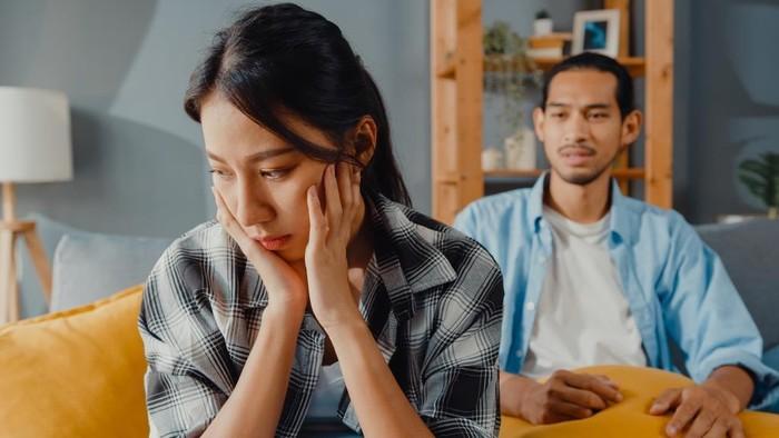 5 Tanda Kamu Tak Benar-Benar Mencintai Pasangan, Jangan Bohongi Perasaanmu!