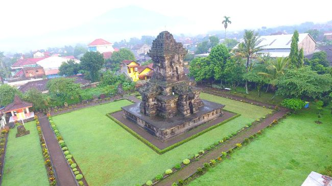 Kerajaan Singasari, yang didirikan Ken Arok, menjadi salah satu kerajaan besar yang pernah eksis di Nusantara. Simak selengkapnya mengenai Kerajaan Singasari.