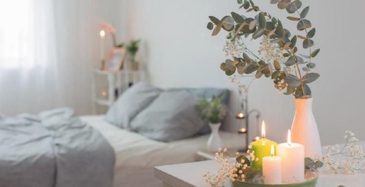 Ingin punya tidur berkualitas selama pandemi tubuh dan otak selalu sehat? Yuk dekor ulang kamar rumah minimalis Bunda yang sesuai dengan aturan feng shui.