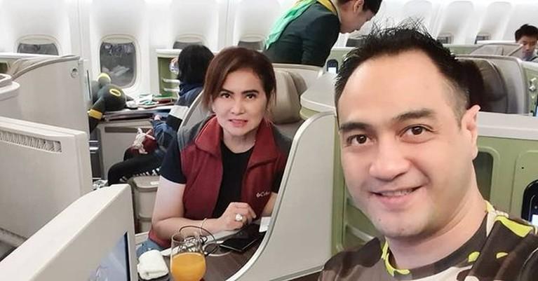 Ditengah kondisi kesehatan yang belum membaik, Ferry Irawan digugat cerai oleh sang istri. Yuk intip momen mereka berdua!