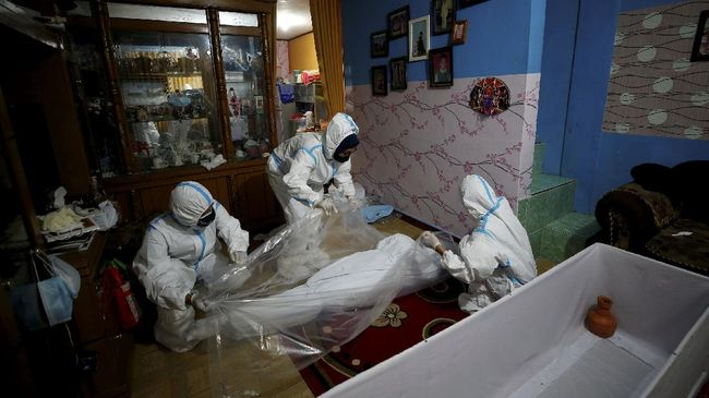 LaporCovid-19 mencatat sebanyak 2.313 warga positif Covid-19 meninggal saat isolasi mandiri. Sebanyak 1.161 orang di antaranya berdomisili di Jakarta.