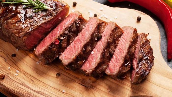 3 Resep Steak Kambing Praktis dari Daging Kurban