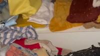 <p>Sebelumya Rachel Vennya juga pernah mengalami masalah dengan rayap. Oleh karena itu, ia memanggil jasa anti rayap untuk melindungi barang-barangnya. Namun kali ini, justru baju sang putra yang ludes diserang rayap. (Foto: Instagram: @rachelvennya)</p>