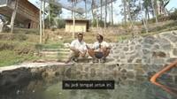 <p>Dodit juga memiliki semacam kolam kecil, Bunda. Katanya, dahulu spot tersebut hanya rawa-rawa. (Foto: YouTube: Dodit Mulyanto)</p>
