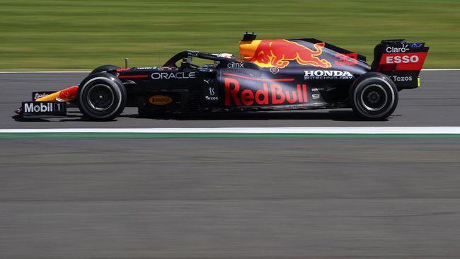 FI GP Inggris mengalami penundaan setelah terjadi insiden kecelakaan di lap ketiga antara Lewis Hamilton dan Max Verstappen.
