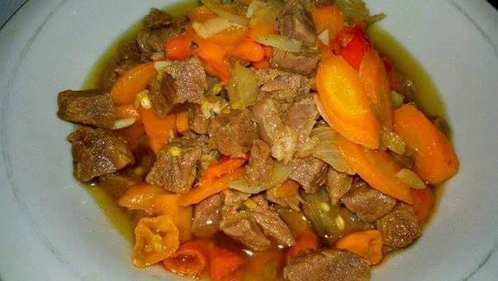 Tumis Daging Wortel dan Tumis Daging Sawi Pedas yang Nikmat