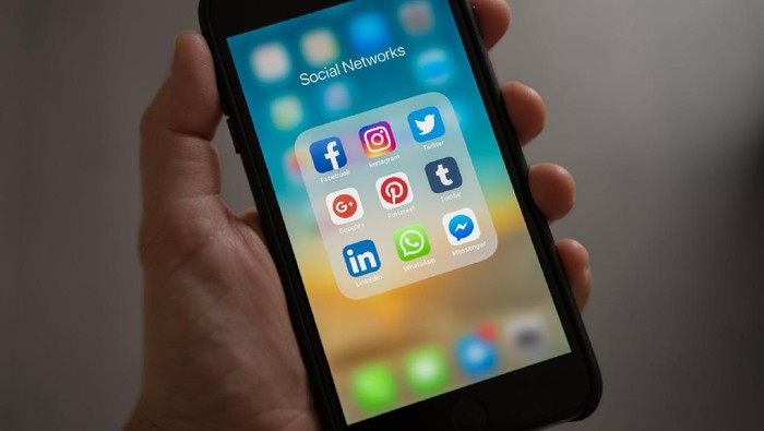Alasan Mengapa Kamu Nggak Usah Menyesal Unfollow Teman di Media Sosial