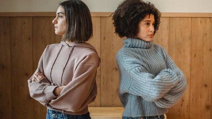 Tak Selalu karena Pertengkaran, 30 Alasan Ini yang Bikin Orang Dewasa Akhiri Hubungan Pertemanan