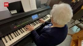 VIDEO: Nenek 103 Tahun dan Hobi Main Piano