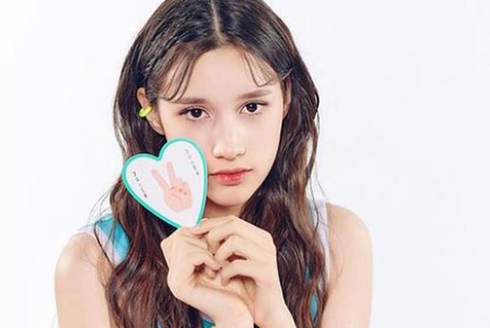Bahiyyih tumbuh di keluarga musisi. Ayahnya merupakan penyanyi populer di Cina. Sedangkan kedua kakaknya, Lea dan Kai, dikenal sebagai idol K-Pop.(Foto: Instagram.com/girlsplanet999)