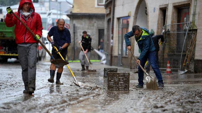 Pemerintah Jerman memperkirakan 158 orang masih hilang akibat banjir bandang yang melanda melanda Eropa barat pekan lalu.