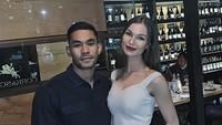 <p>Diego Afisyah pertamakali bertemu Polina di acara fashion show salah satu desainer ternama. Polina merupakan model yang kerap melenggang di pekan mode, Bunda. (Foto: Instagram: @diegoafisyah)</p>