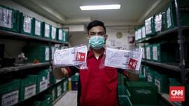 FOTO: Distribusi Obat dan Vitamin untuk Warga Isoman Covid-19
