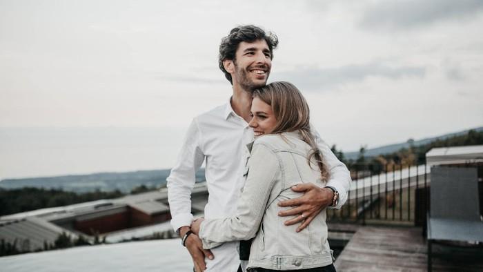 Punya Kepribadian INFJ? 3 Kepribadian Ini Cocok Banget Buat Jadi Pasangan Kamu!