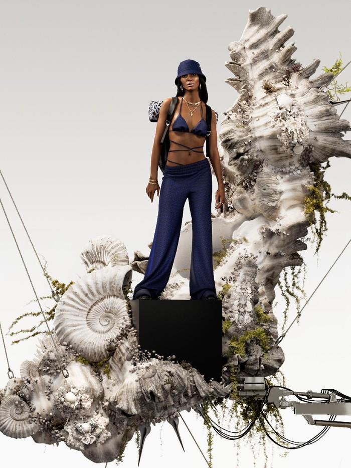 Naomi Campbell didapuk sebagai model terbaru kampanya koleksi musim panas TB Monogram Burberry.