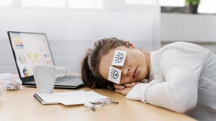 Masih Muda Tapi Gampang Lelah dan Mengantuk? Ternyata Ini Penyebabnya