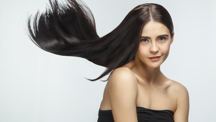 Di Rumah Aja Juga Bisa Bikin Rambut Rusak! Ini Aturan Perawatan Rambut Agar Tetap Sehat