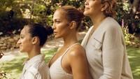 <p>Jennifer Lopez kerap membagikan potret Emme di laman Instagram nih, Bunda. (Foto: Instagram @jlo)</p>