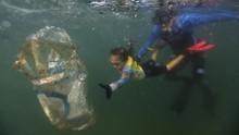 FOTO: Bocah Pelindung Laut dari Brasil