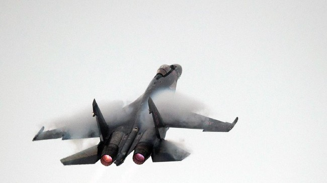 Jet Tempur Rusia Halau Pesawat Bomber AS