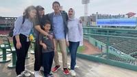 <p>Amyra merupakan putri kedua Sandiaga Uno dan Nur Asia. Pasangan yang menikah pada 28 Juli 1996 itu kerap memperlihatkan potret kebersamaan mereka di Instagram. (Foto: Instagram: @nurasiauno)</p>