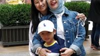 <p>Sandiaga dan Nur Asia begitu bangga dengan kelulusan putri kedua mereka. Meski tak bisa ikut menghadiri acara wisuda Amyra, Sandiaga tetap bersyukur dan mendoakan yang terbaik untuk putrinya. (Foto: Instagram: @nurasiauno)</p>