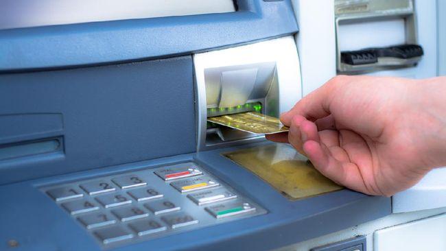 Berikut beberapa penyebab kartu ATM tertelan. Pahami agar bisa terhindar dari masalah tertelannya kartu ATM.