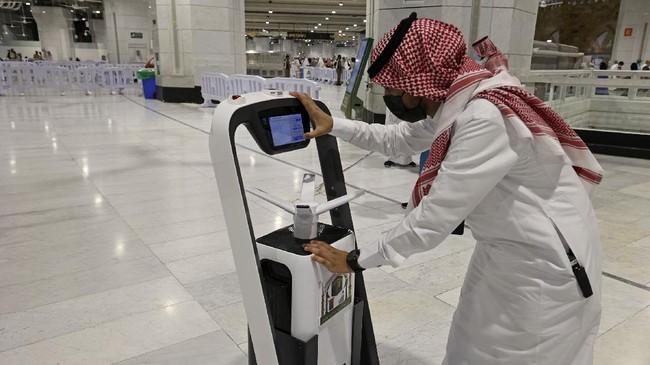 FOTO: Kartu Pintar dan Robot Berkeliaran saat Ibadah Haji