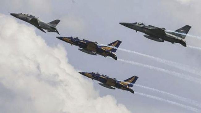 Menteri Pertahanan Prabowo Subianto membeli enam unit jet tempur taktis atau pesawat latih T-50i Golden Eagle dari perusahaan Korea Selatan.
