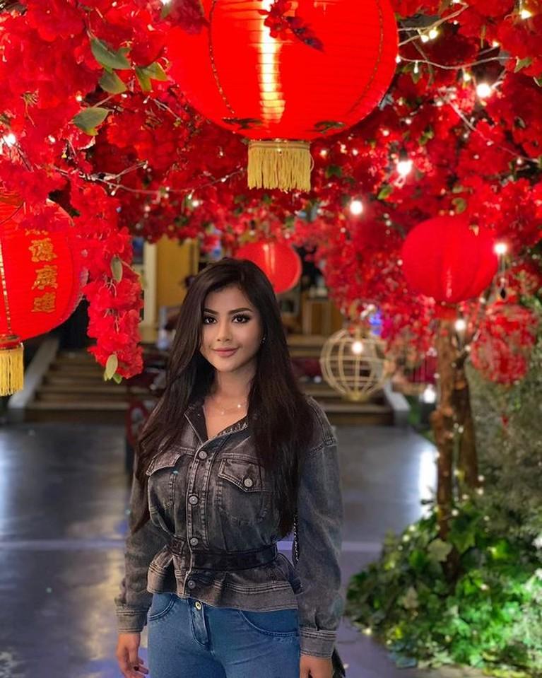 Nama Tania Ayu terseret kasus prostitusi online artis inisial TA yang kembali ramai dibahas. Yuk kita intip potretnya!