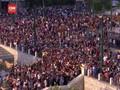 VIDEO: Demo Tolak Wajib Vaksin di Yunani Berakhir Ricuh