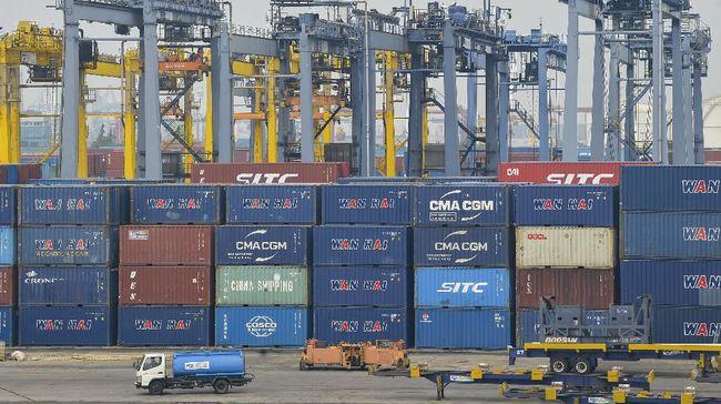 Ada beberapa dampak perdagangan internasional yang perlu diketahui. Dampak tersebut bisa bersifat positif atau negatif.